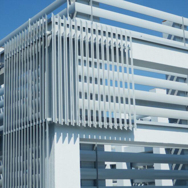 Budynek Wielorodzinny wWarszawie - Osłony Techniczne - Żaluzje Wielkogabarytowe